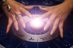 Horoskop to nauka o nas samych, rodzaj kodu, zawierającego ogólny plan, zarys naszego życia.