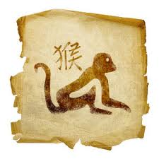 Zodiakalna Małpa uważa, że jest najlepsza we wszystkim, co robi i nie ma sobie równych.