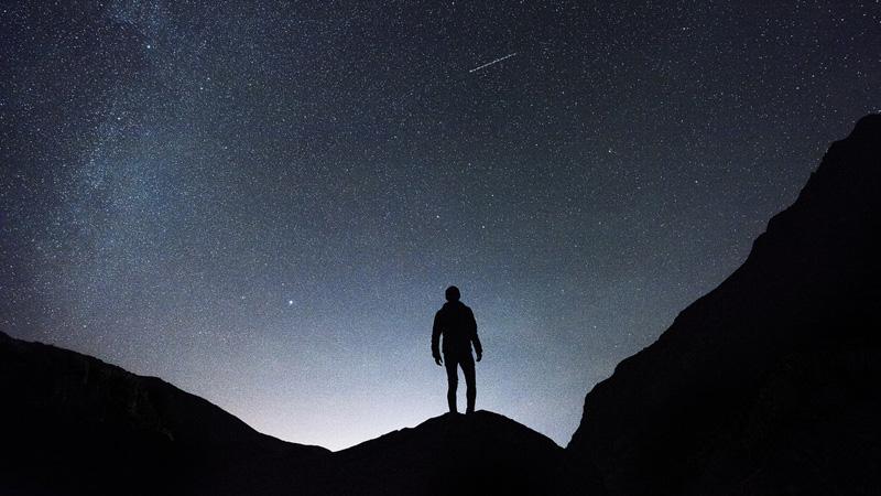 4 życiowe priorytety, na których musisz się skupić niezależnie od znaku zodiaku, który przypadł Ci w udziale