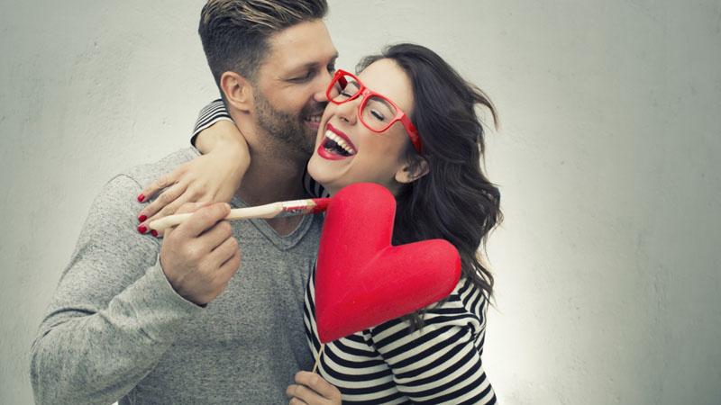 Jeden szczegół sprawi, że staniesz się dużo szczęśliwszy w związku. Zerknij w gwiazdy i sprawdź, co to za detal